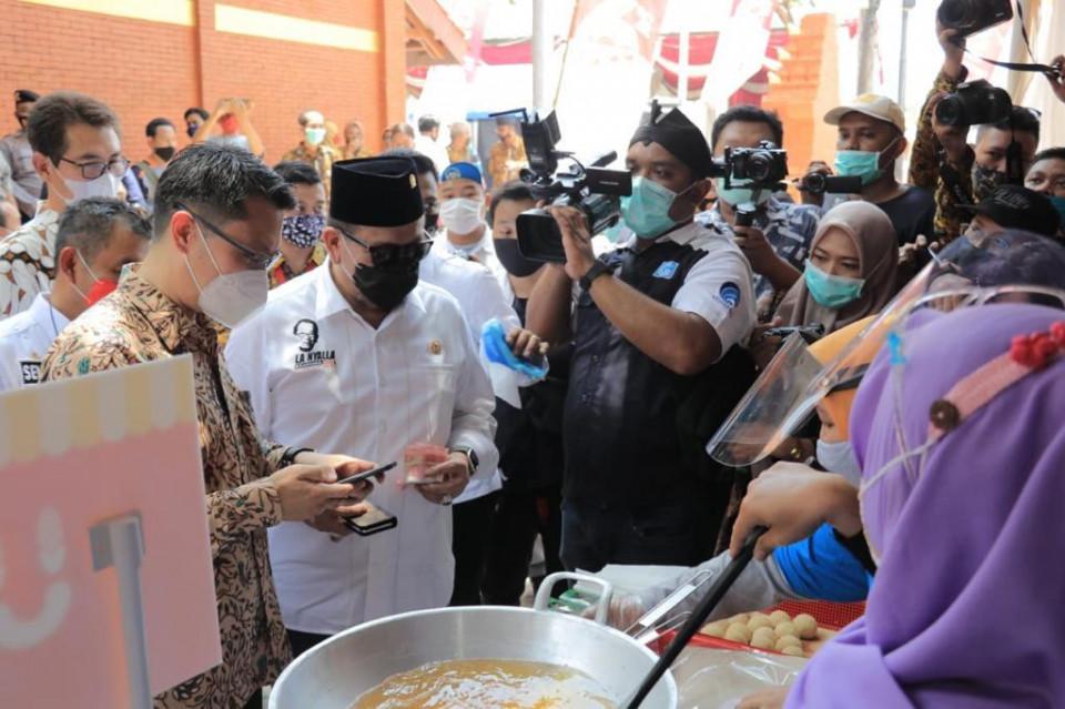 Walikota Mojokerto Sampaikan Apresiasinya ke Rombongan DPD yang Ikut Meresmikan Pasar Benteng Pancasila