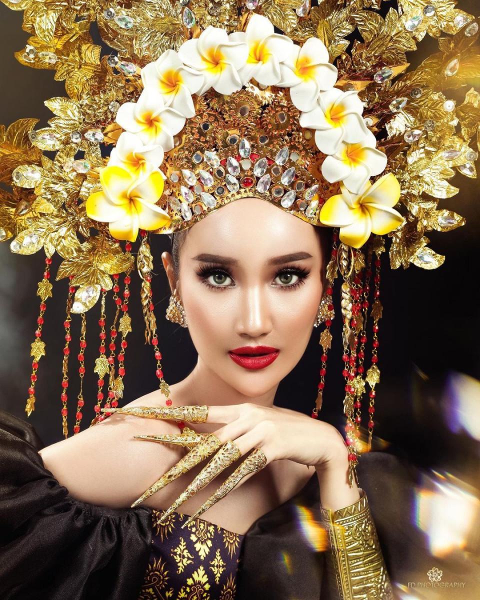 7 Potret Memesona Bella Aprilia, Ratu Kecantikan yang Disebut Calon Istri Ivan Gunawan - Foto 2