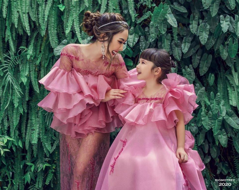 7 Potret Gisel dan Gempi Pakai Baju Kembar, Goals Banget - Foto 2
