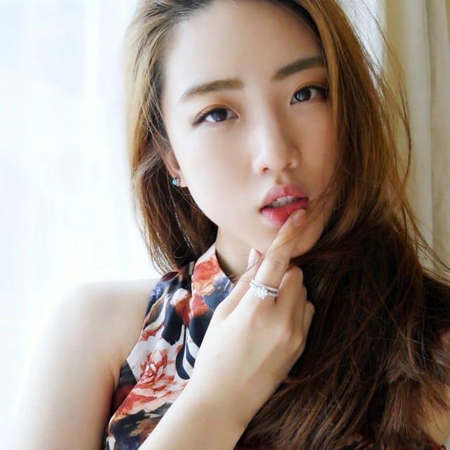 Ala Ayla Dimitri dan Youtuber Korea Han Yoo Ra Merawat Kulit Sensitif - Foto 1