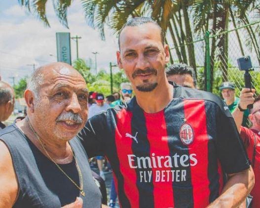 Foto 5 Orang Mirip Bintang Sepak Bola Ini Bikin Susah Bedain, Plek Jiplek - Foto 1