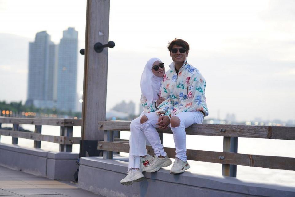 Mesra Bak Prewedding, 7 Potret Romantis Rizky Billar dan Lesty Kejora - Foto 4