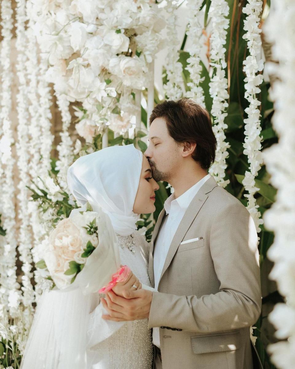 7 Potret Mesra Lidi Brugman dan Lucky Perdana, Dari Menikah Hingga Dikaruniai Anak - Foto 1