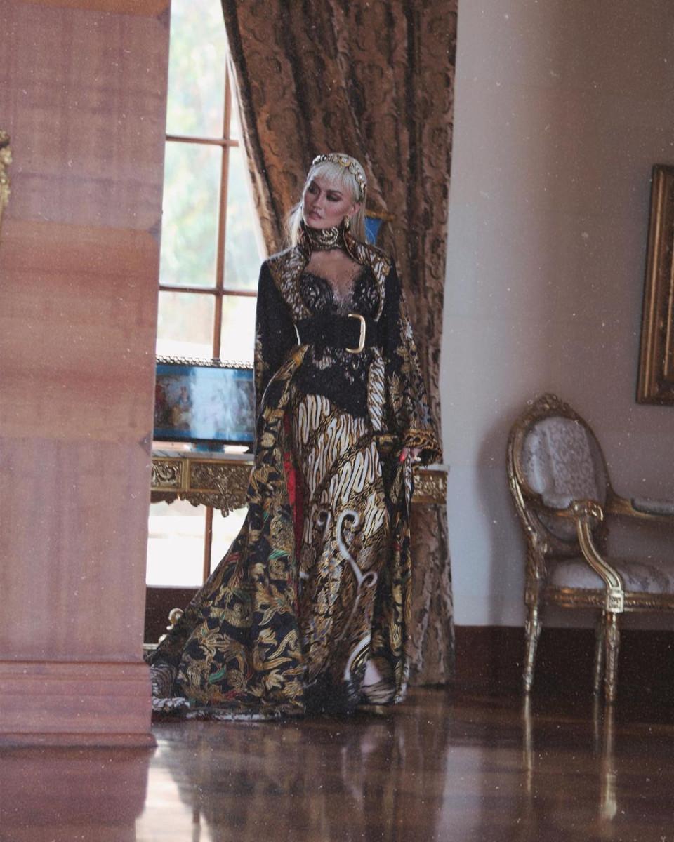 7 Potret Memesona Agnez Mo dengan Busana Khas Nusantara, Cantiknya Indonesia Banget - Foto 2