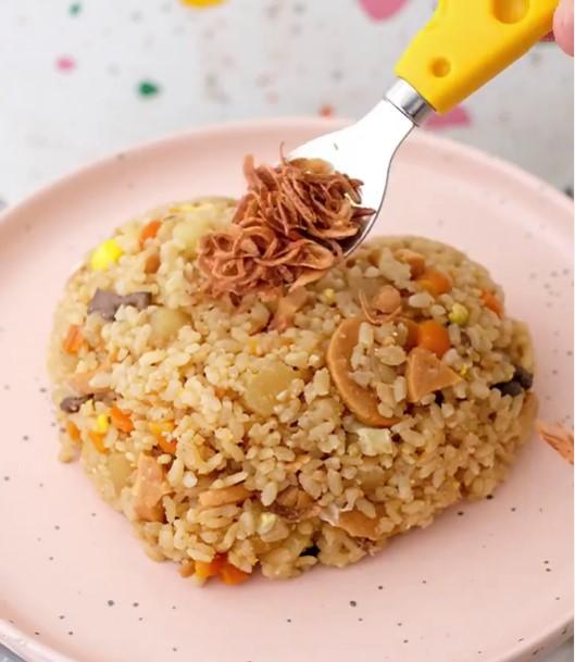 Viral Resep Nasi Telur Rice Cooker, Bikinnya Mudah dan Rasanya Mirip Nasi Goreng