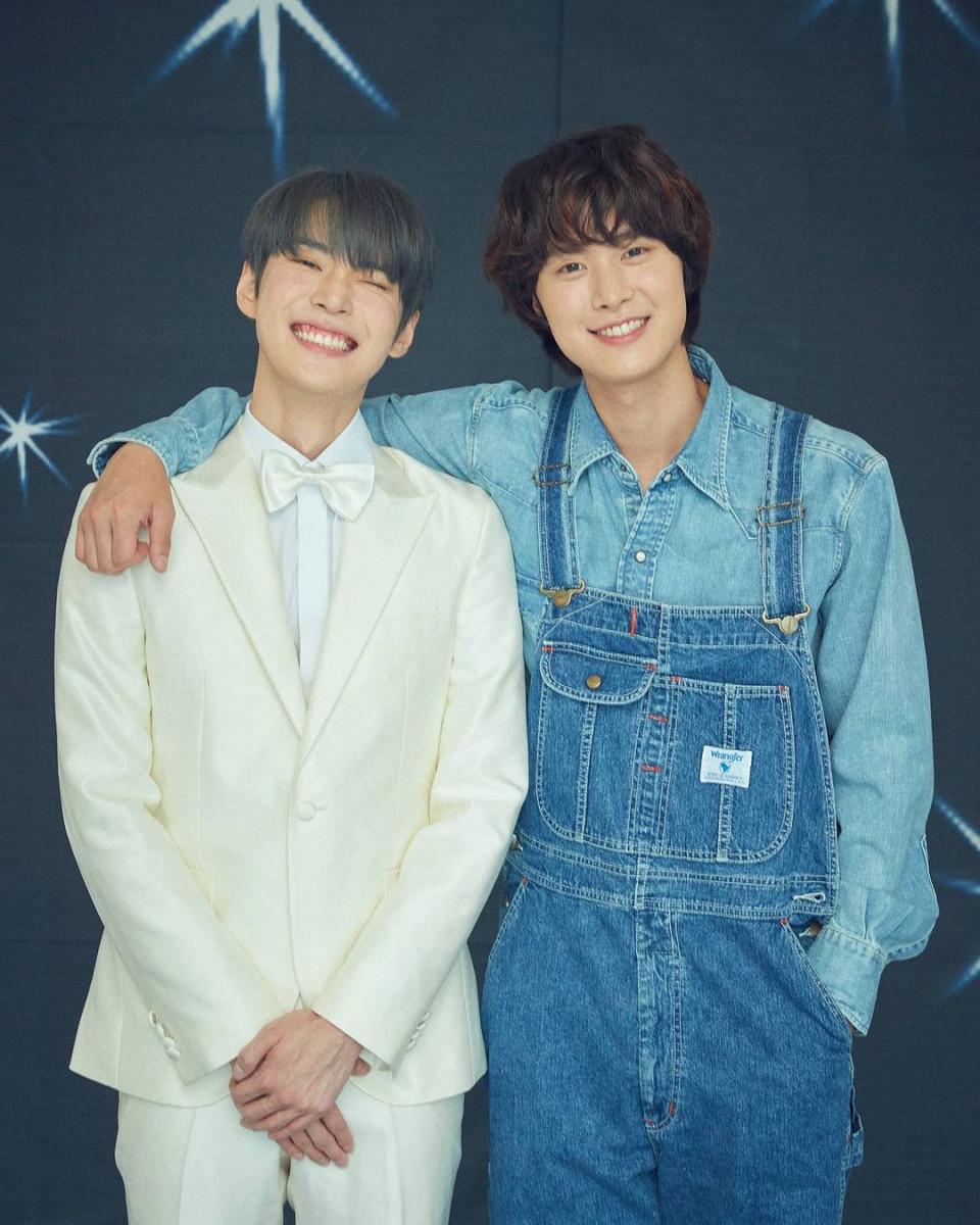 7 Potret Manis Doyoung NCT Pamer Senyum, Bikin meleleh - Foto 5