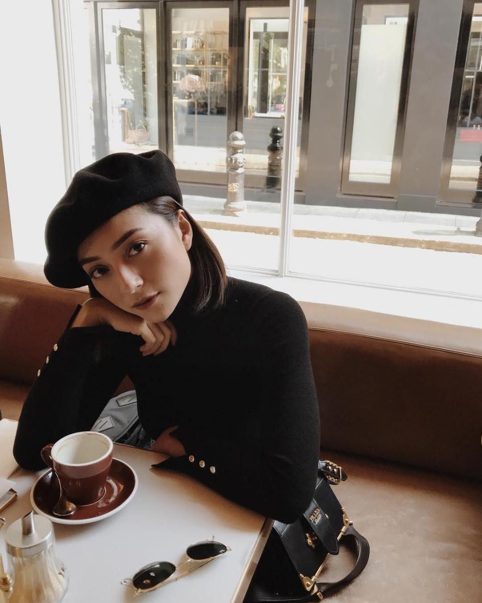 Sebelum Bersama Amanda Manopo, 5 Wanita Cantik ini Pernah Berpacaran dengan Billy Syahputra - Foto 2