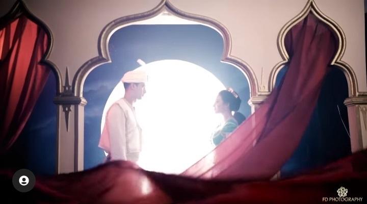 5 Potret Ali Syakieb dan Margin Wieheerm Tampil Romantis Bertema Aladdin - Foto 1