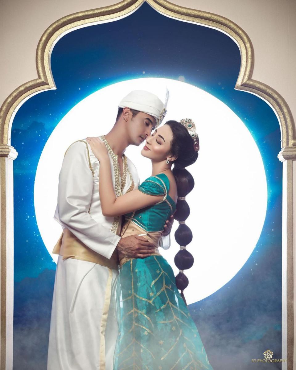5 Potret Ali Syakieb dan Margin Wieheerm Tampil Romantis Bertema Aladdin - Foto 4