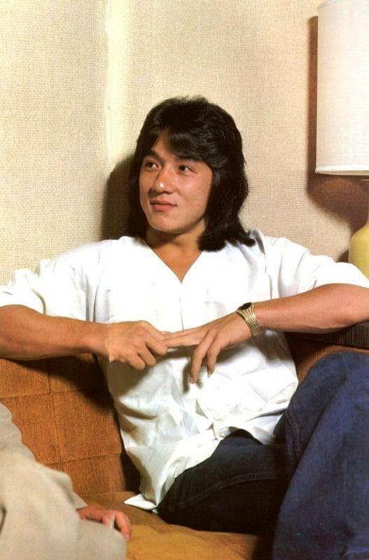 7 Potret Transformasi Jackie Chan dari Muda hingga Jadi Aktor Legenda Bela Diri - Foto 5