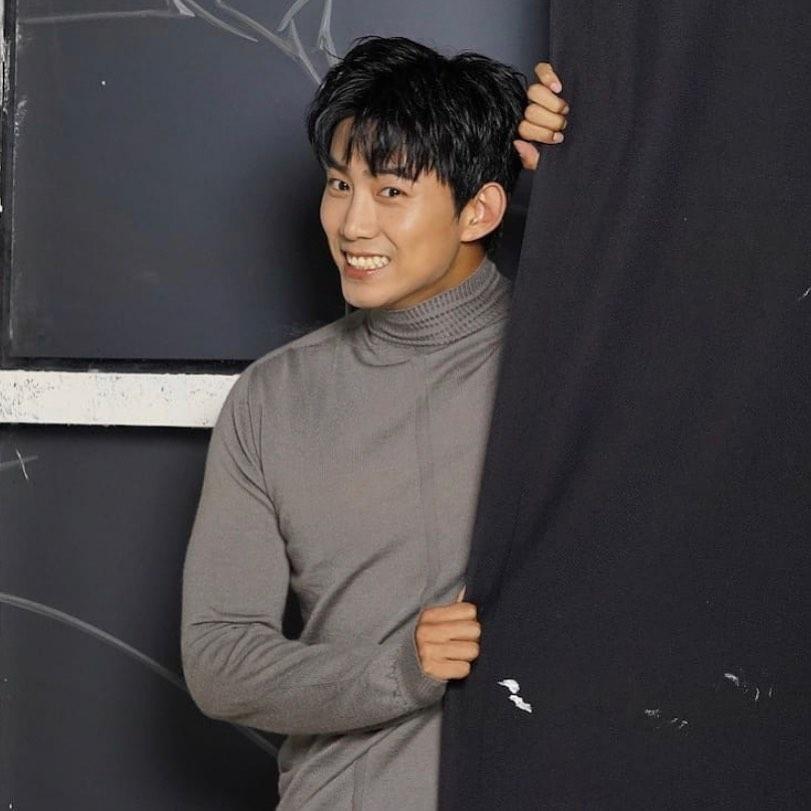 7 Potret Terbaru Ok Taec-yeon, Jadi Bos Penjahat di Drama Vincenzo - Foto 3