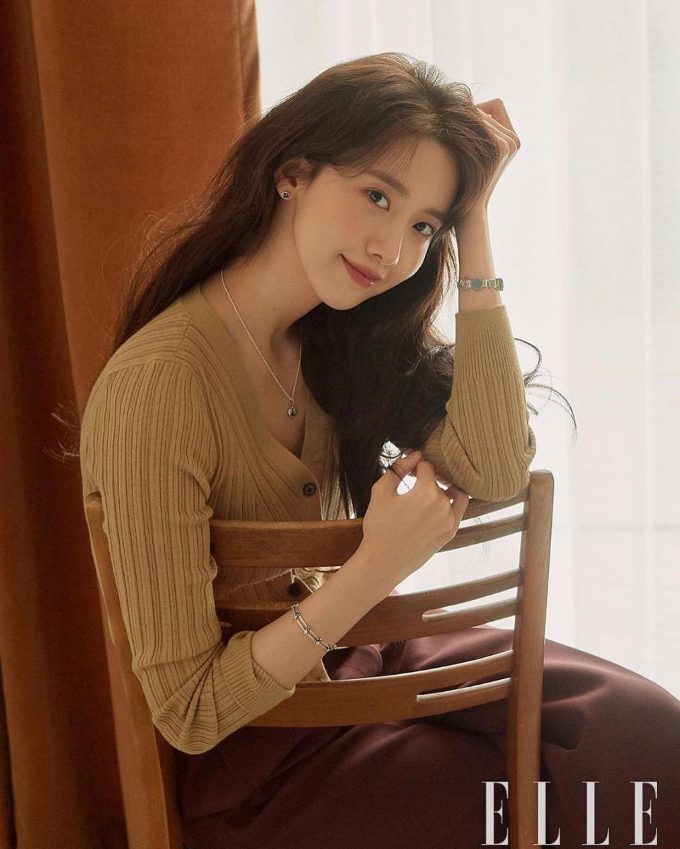 7 Aktris Korea Kelahiran 1990 yang Visualnya Tak Kalah Memukau dari Seo Ye-ji - Foto 2