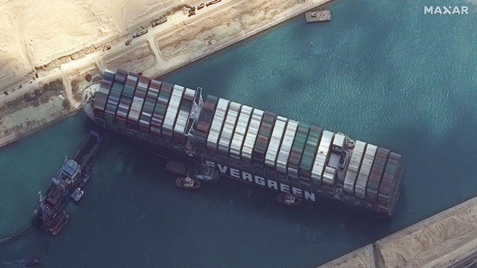 Kemacetan di Terusan Suez Sebabkan Lonjakan Polusi Sulfur, Terdeteksi Satelit Antariksa - Foto 1