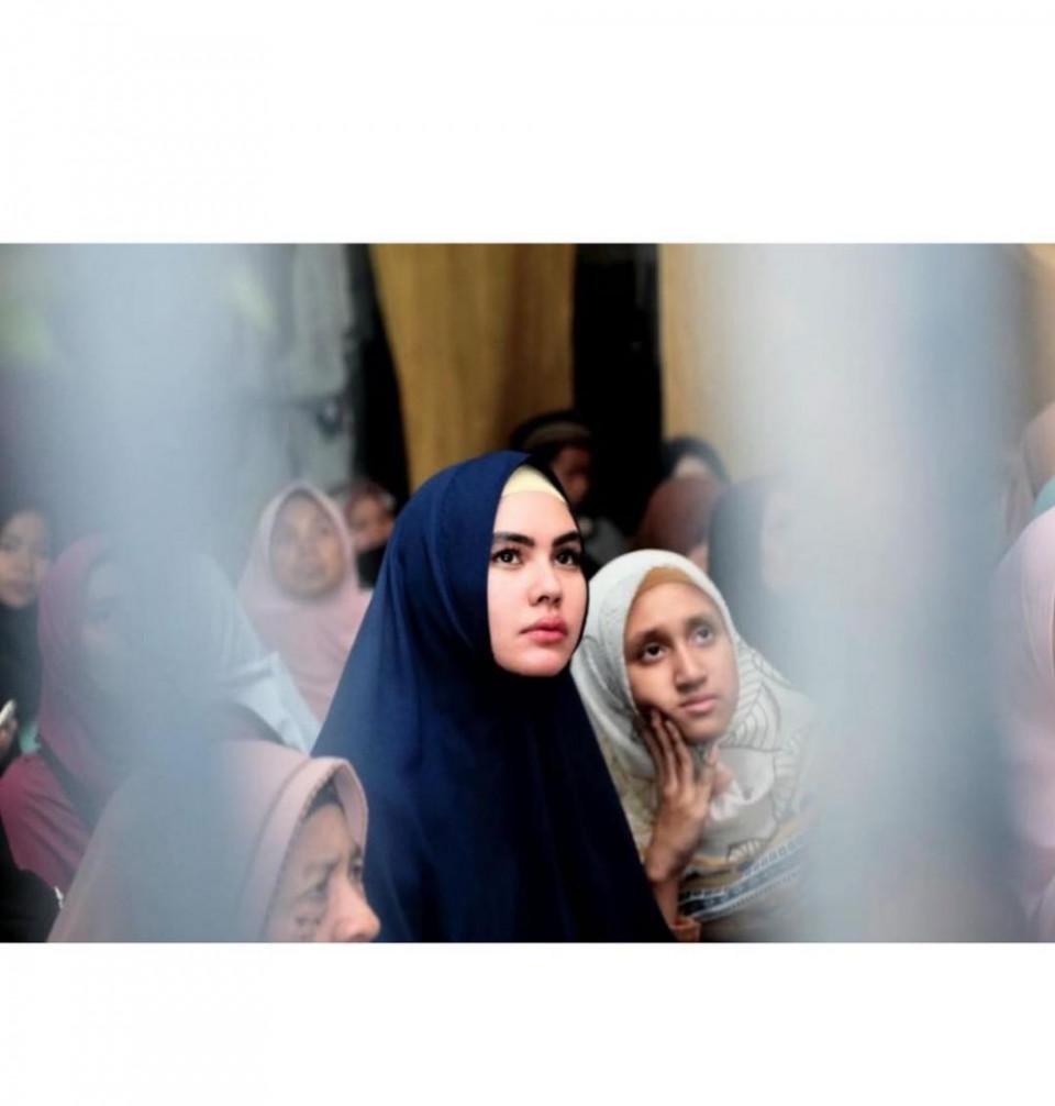 5 Momen Manis Kartika Putri dan Syarifah Syahra, Anak Tirinya yang Sekolah di Yaman - Foto 3