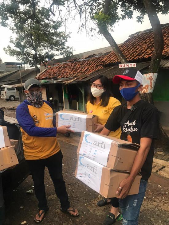 ARFI Salurkan Bantuan Kepada Aplikator Baja Ringan yang Terdampak Covid-19