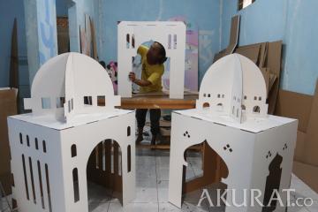 Penjualan Kerajinan Dekorasi Masjid Meningkat di Bulan Ramadan