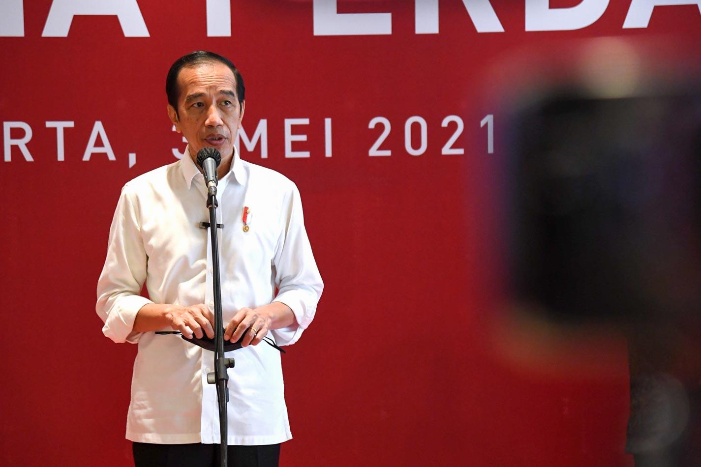 Jokowi Tinjau Vakasinasi untuk Pelaku Usaha Perdagangan di Pusat Perbelanjaan - Foto 1