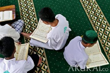 Tadarus Al Quran di Pondok Pesantren Nuu Waar AFKN