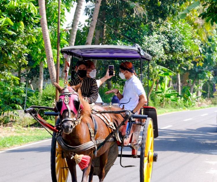 5 Potret Sandiaga Uno Kunjungi Sektor Pariwisata Indonesia, Seru Banget - Foto 1
