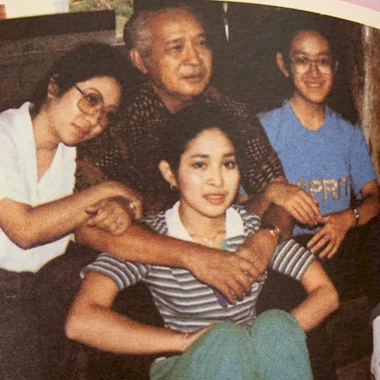 100 Tahun Soeharto, 7 Potret Hangat Kenangan Sang Presiden dengan Keluarga - Foto 4