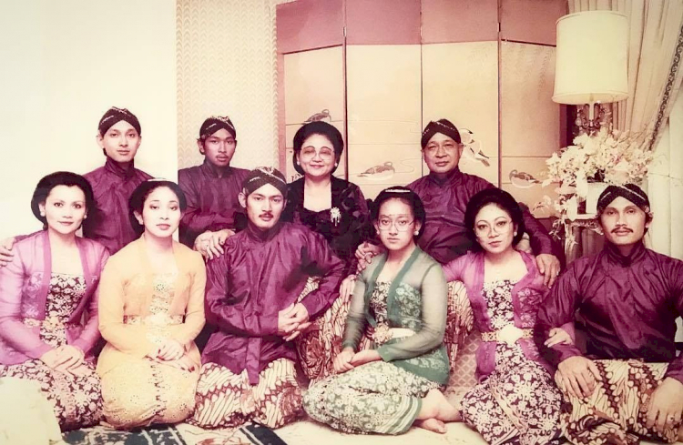 100 Tahun Soeharto, 7 Potret Hangat Kenangan Sang Presiden dengan Keluarga - Foto 7