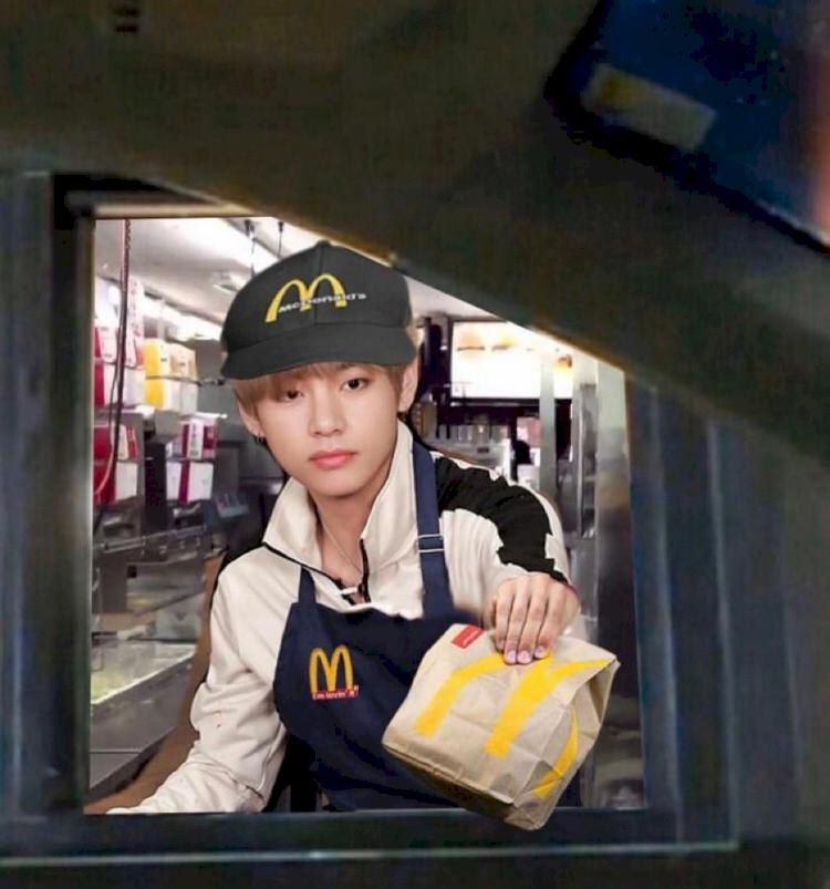 7 Editan Kocak BTS Meal ala Warganet, Mukbang bareng Jungkook hingga Dilayani Taehyung - Foto 2