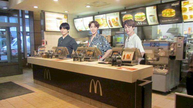 7 Editan Kocak BTS Meal ala Warganet, Mukbang bareng Jungkook hingga Dilayani Taehyung - Foto 4