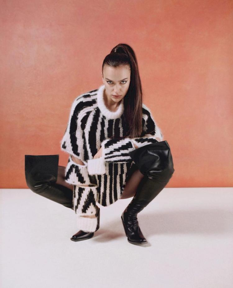 7 Potret Memesona Irina Shayk, Kekasih Baru Kanye West - Foto 7
