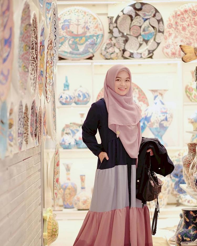 7 Potret Memesona Ghaida Tsurayya, Putri Aa Gym yang Jarang Tersorot - Foto 1