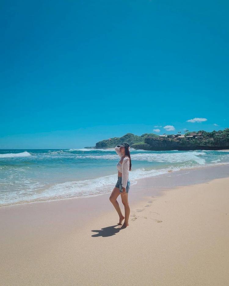 7 Pesona Pantai Drini Jogja, Cocok Dikunjungi Bareng Keluarga - Foto 3