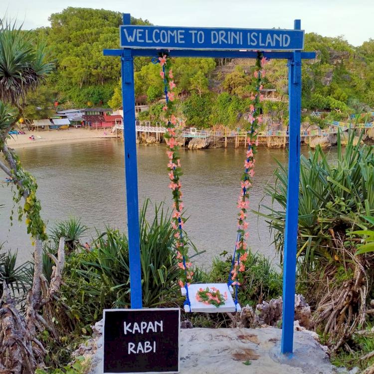 7 Pesona Pantai Drini Jogja, Cocok Dikunjungi Bareng Keluarga - Foto 6