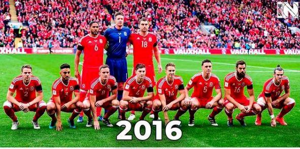 Tak Pernah Rapi, 5 Gaya Foto Tim Skuad Wales yang Bikin Gagal Paham - Foto 4