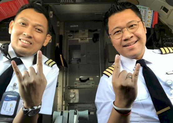 5 Potret Gagah Bona Septano Adik Markis Kido yang Kini menjadi Pilot - Foto 2