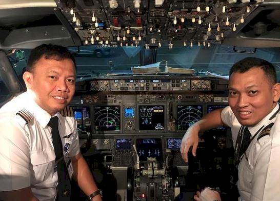 5 Potret Gagah Bona Septano Adik Markis Kido yang Kini menjadi Pilot - Foto 3