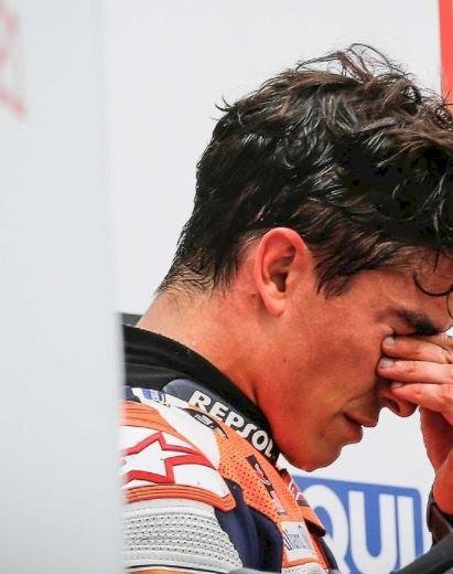 5 Foto Momen Emosional Marc Marquez Juarai MotoGP Jerman, 581 Hari Kembali ke Puncak - Foto 5