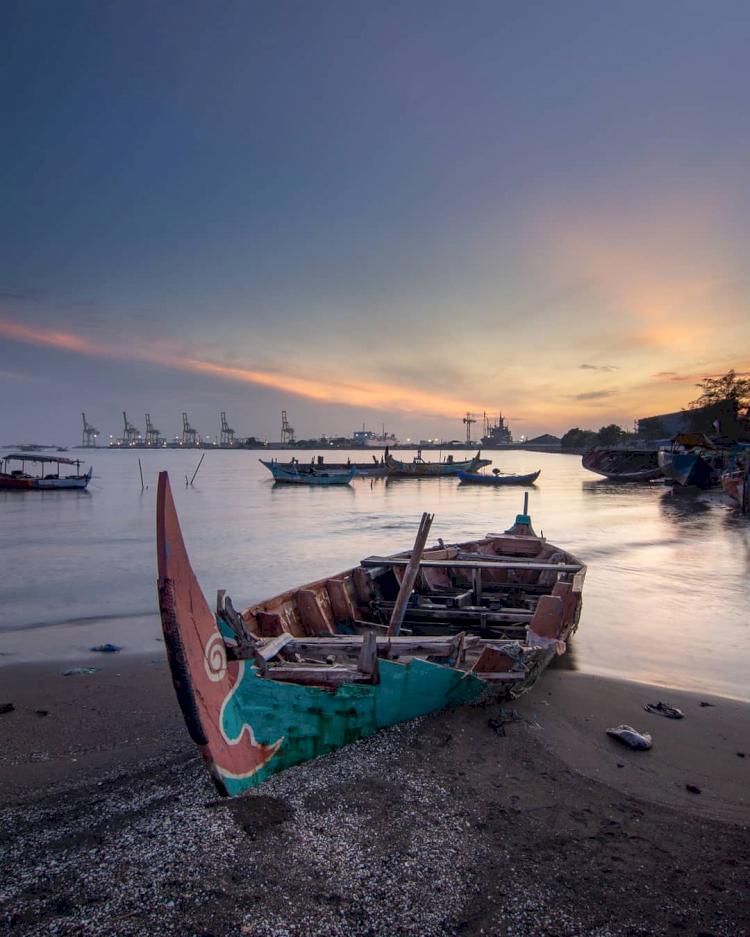7 Pantai Hidden Gem di Semarang yang Tawarkan Pemandangan Menawan - Foto 4