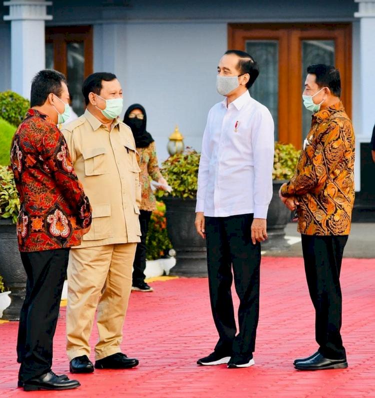 Hangat dan Kompak, 5 Momen Jokowi dan Prabowo saat Kerja Bareng - Foto 2