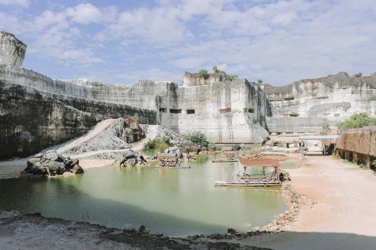 Hijau dan Sejuk Ini 4 Rekomendasi Wisata Alam Perbukitan di Madura - Foto 2