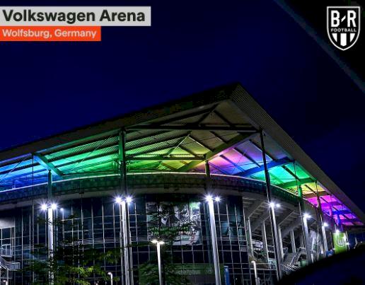 Dilarang UEFA, 5 Potret Stadion Jerman dan Fans dengan Atribut Pelangi - Foto 3