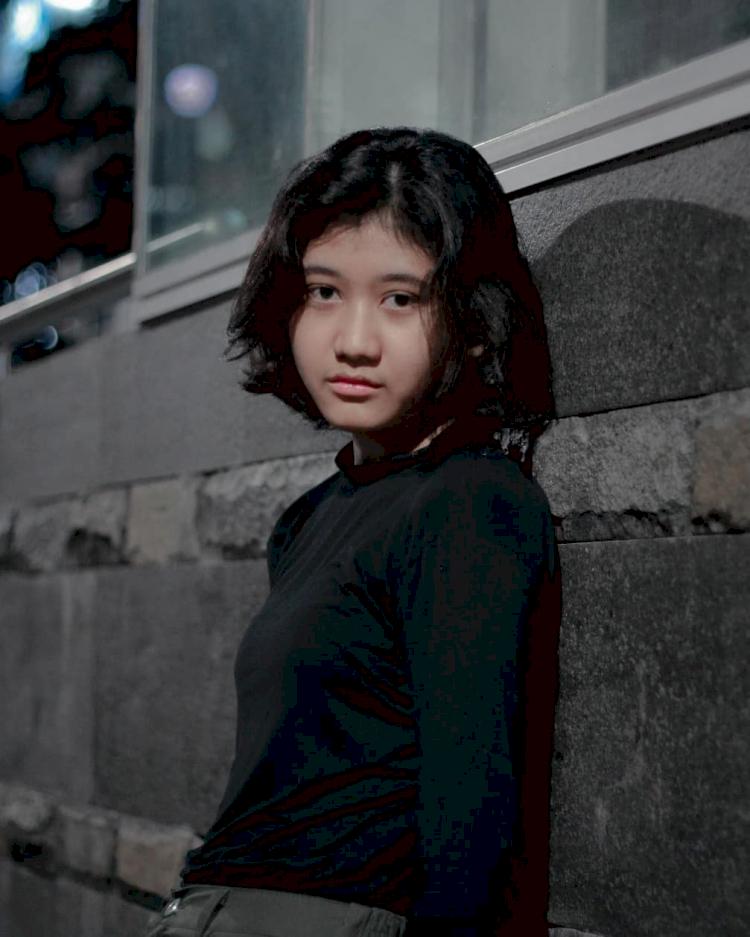 7 Potret Memesona Amel, Gadis yang Miliki Wajah Mirip Nike Ardilla - Foto 1