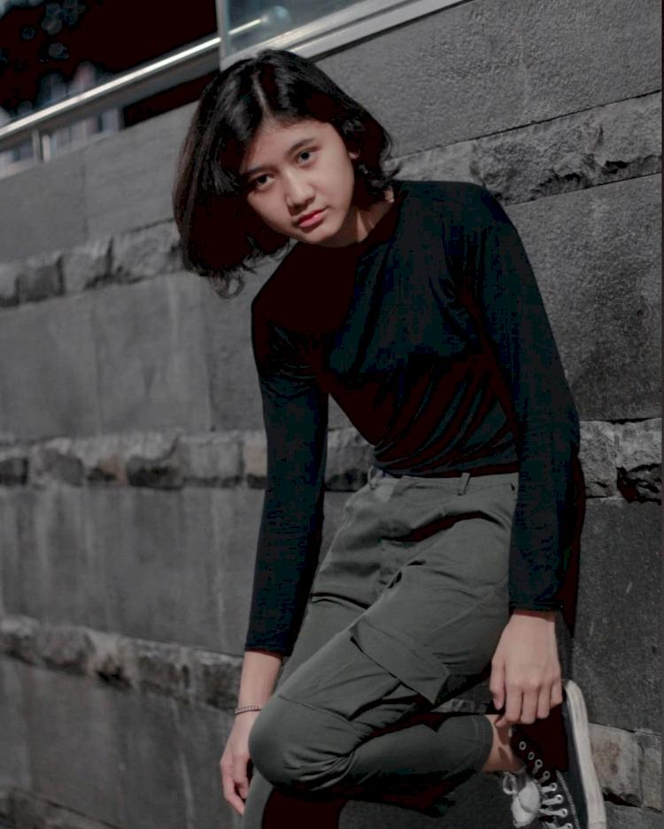 7 Potret Memesona Amel, Gadis yang Miliki Wajah Mirip Nike Ardilla - Foto 2