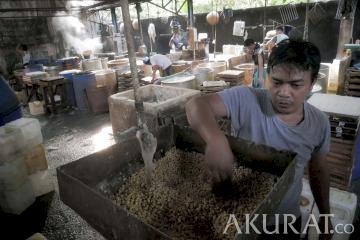 Pengrajin Kurangi Suplai Tahu ke Pasar, Akibat Harga Kedelai Tinggi