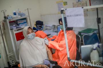 Pemerintah Targetkan 100 Ribu Penyuntikan Vaksin per Hari di DKI Jakarta