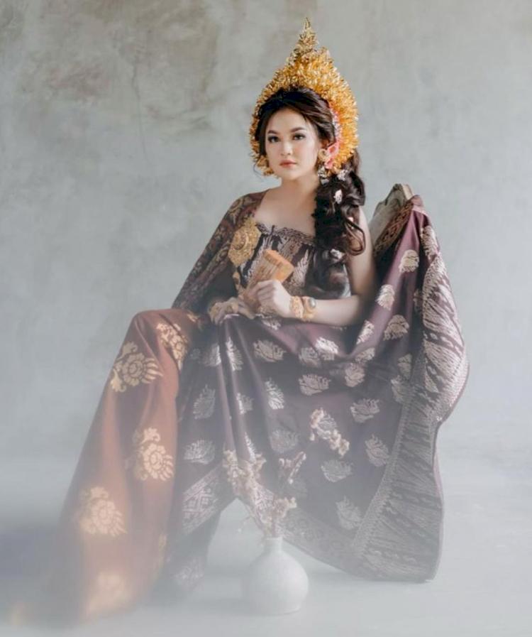 7 Potret Memesona Mahalini Raharja dengan Busana Khas Nusantara, Cantiknya Paripurna - Foto 4