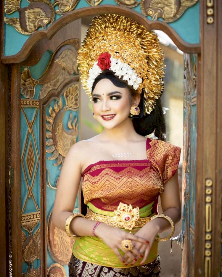7 Potret Memesona Mahalini Raharja dengan Busana Khas Nusantara, Cantiknya Paripurna - Foto 5