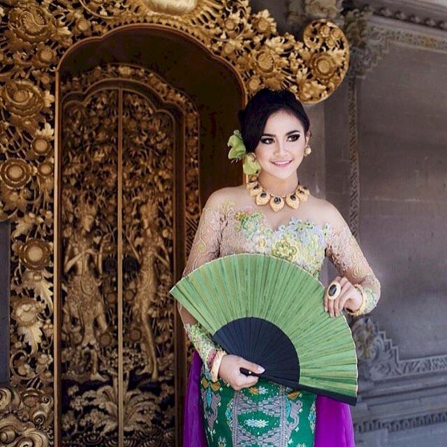 7 Potret Memesona Mahalini Raharja dengan Busana Khas Nusantara, Cantiknya Paripurna - Foto 7