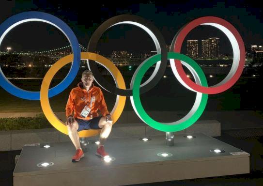 5 Pose Atlet Bulu Tangkis di depan Ring Olimpiade, Mejeng Dulu sebelum Berlomba - Foto 2