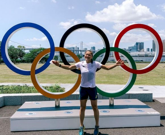 5 Pose Atlet Bulu Tangkis di depan Ring Olimpiade, Mejeng Dulu sebelum Berlomba - Foto 1