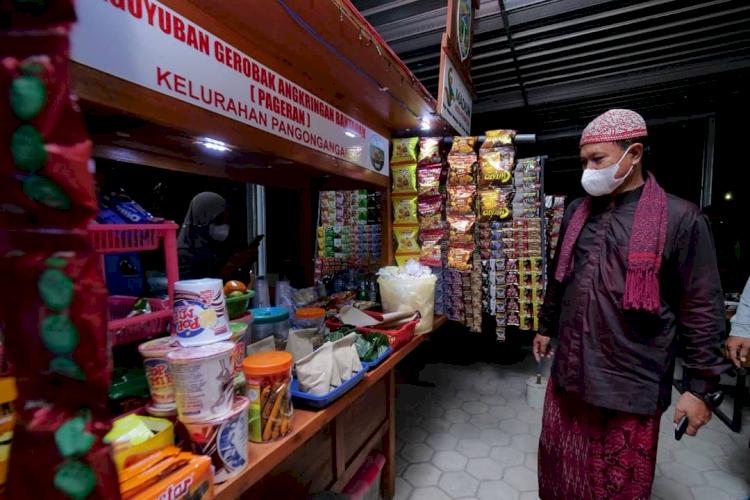 7 Potret Wali Kota Madiun Tangani Pandemi, Berdayakan PKL dan UMKM - Foto 1