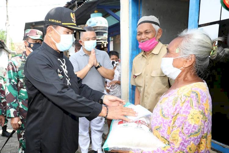 7 Potret Wali Kota Madiun Tangani Pandemi, Berdayakan PKL dan UMKM - Foto 6